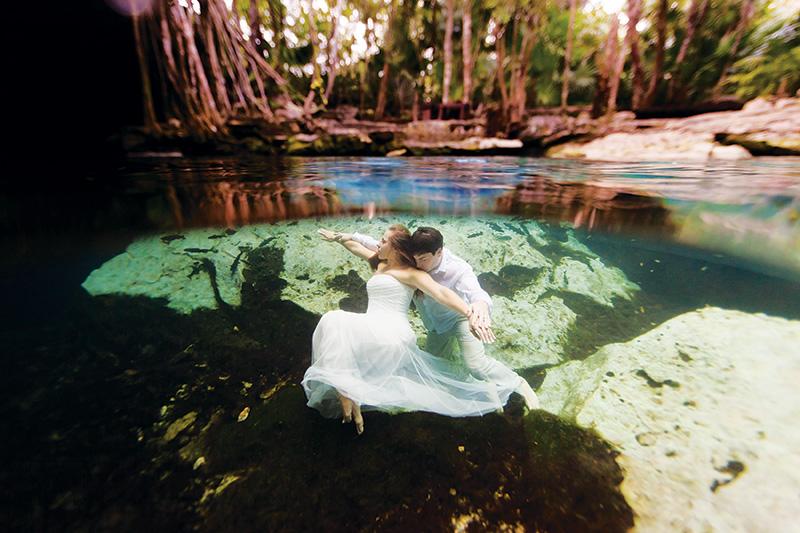 Caribbean Belle Weddings: Underwater At Riviera Maya